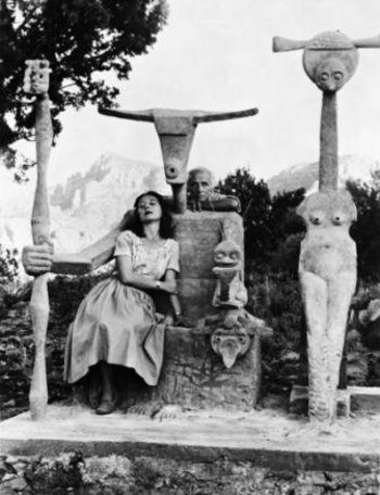 Xl constellation capricorne   dorothea tanning and max ernst with his sculpture  capricorn  1947    john kasnetsis